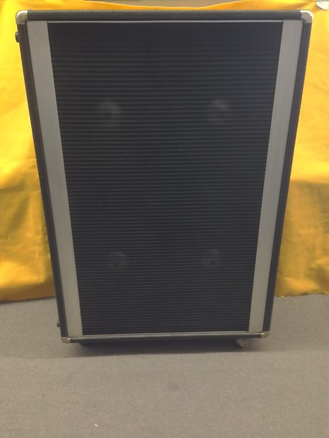 peavey 412m 4x12 guitar bass speaker cabinet 2 ohms reverb. Black Bedroom Furniture Sets. Home Design Ideas