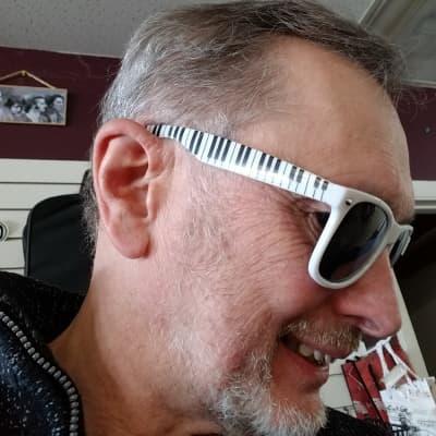 Paul Breitenbach Cool Piano Shades