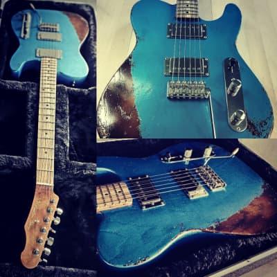 "S71 Custom Shop Metallic Pelham Blue over 2-Tone Sunburst Relic Hybride Tremolo ""T""."
