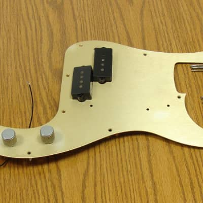 Fender 50s Road Worn P Bass LOADED PICKGUARD & Pickups Gold Precision SALE!