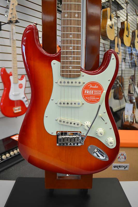 Squier Standard Stratocaster - Cherry Sunburst