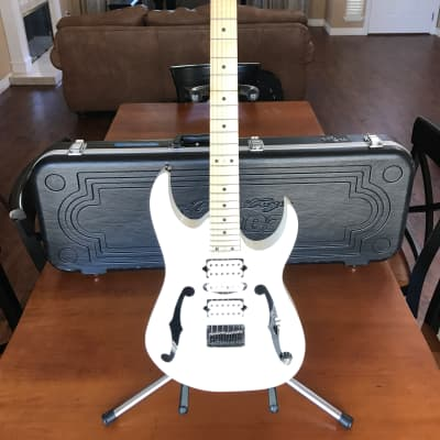 Ibanez PGM301 White SIGNED by Paul Gilbert w/ Hard Case for sale