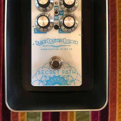 Laney Black country customs secret path reverb pedal custom made in the u.k. Silver/blue