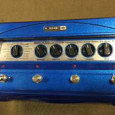 Line 6 MM4 Modulation Modeler with Power Supply