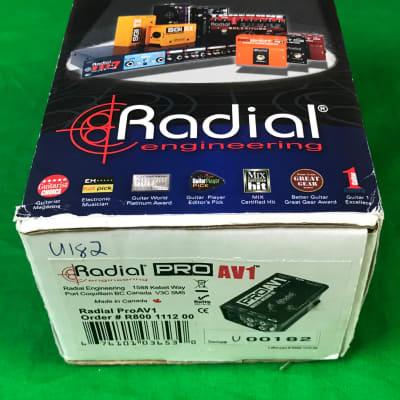 Radial Engineering ProAV1 Passive DI - AV Multi-media Direct Box Mono Eclipse