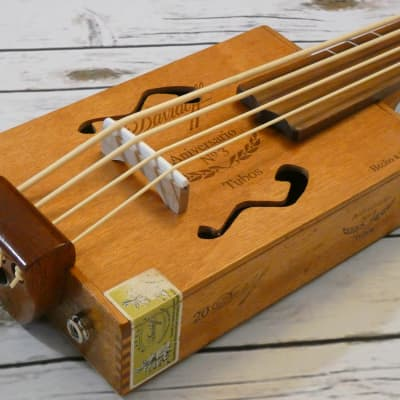 "Shonky CIgar box Bass Ukulele Ubass 2020 Natural. fretless 21"" scale"