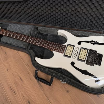 Ibanez PGM30 with vintage Ibanez hard case for sale