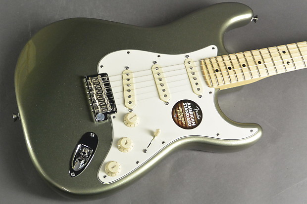 Fender American Standard Stratocaster Jade Pearl Metallic with Case