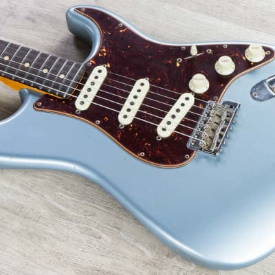 Fender Custom Shop 2019 Postmodern Stratocaster Journeyman Relic Guitar Blue Ice