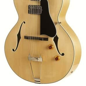 Eastman AR371CE-BD Hollow-Body Archtop with Florentine Cutaway Blonde