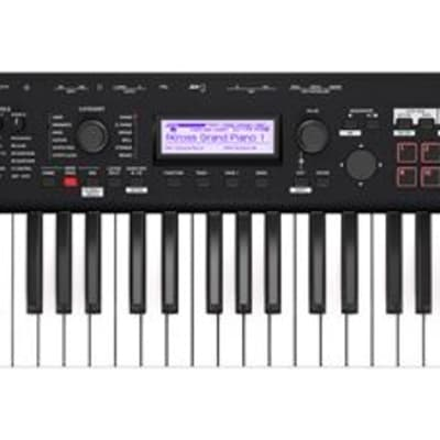 Korg Kross 261 MB 61 Key Synthesizer Workstation in Black