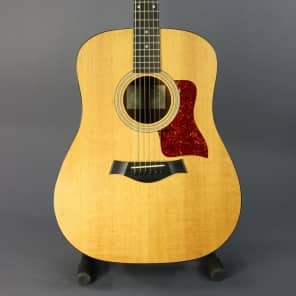 Taylor 110e Sitka Spruce/Sapele Dreadnought with ES-T Electronics 2003 - 2015