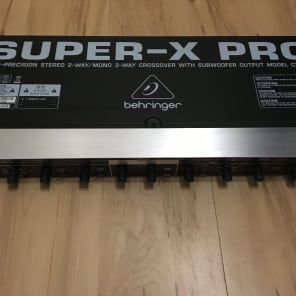 Behringer CX2310 S 2-W M 3-W Crossover-Sub Out