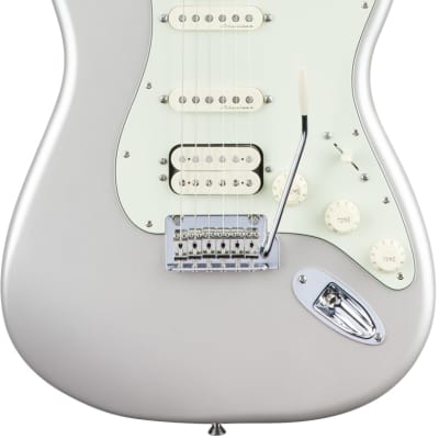 Fender Deluxe Stratocaster HSS with Gig Bag (Maple/Blizzard Pearl) for sale