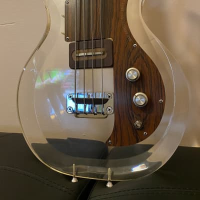 Ampeg Dan Armstrong Lucite Bass Clear 1970