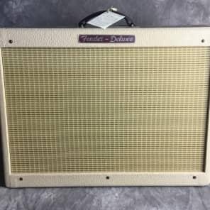 "Fender Limited Edition FSR Blues Deluxe ""Cream of Wheat"" Reissue 40w 1x12"" Guitar Combo Amp w/ Jensen P12Q Speaker"