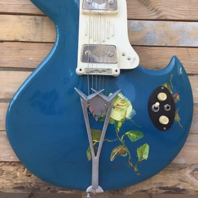 Wandre Rock Oval Masterpiece The Artist Guitar With Hard Case for sale