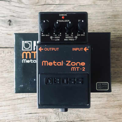 Boss MT-2 Metal Zone Distortion with Box
