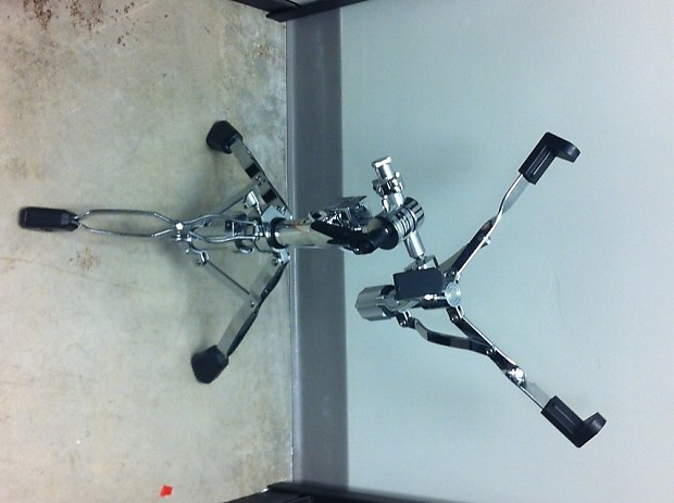 dw 9300 heavy duty snare drum stand 9000 series used reverb. Black Bedroom Furniture Sets. Home Design Ideas