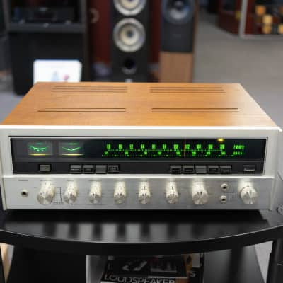 Sansui Eight Solid State AM / FM Stereo Tuner Amplifier