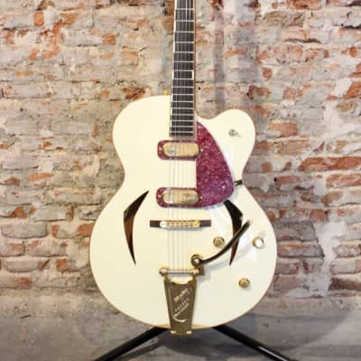 Versoul Swan Acoustic Electric Guitar 1998 White