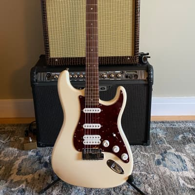 Fender 2008 American Deluxe Stratocaster HSS Solid Body Electric Guitar Olympic Pearl for sale