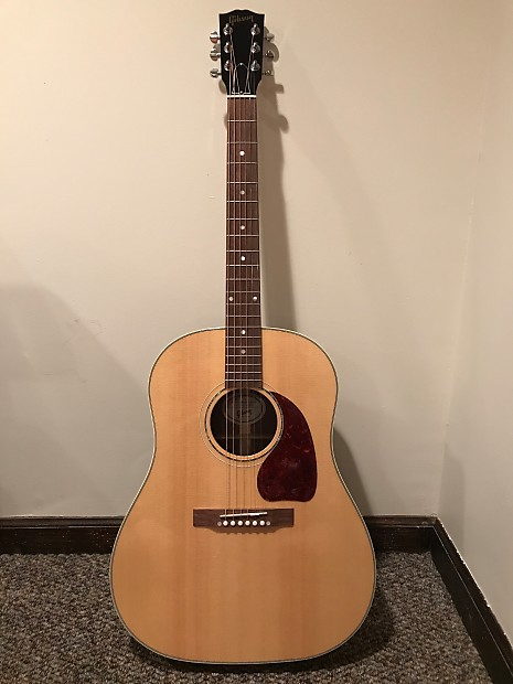 2017 Gibson J-15 (J15) Natural (WOULD PREFER TO SHIP IT)