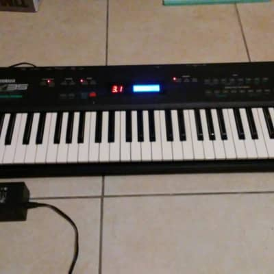 Yamaha SY-35 Dynamic Vector Synthesizer FM/PCM with New LCD and AC Adapter
