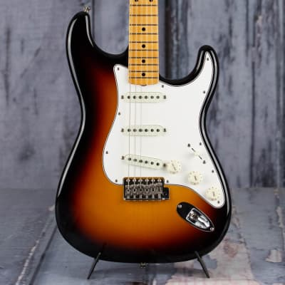 Fender 2019 Vintage Custom 1962 Stratocaster NOS, 3-Color Sunburst for sale