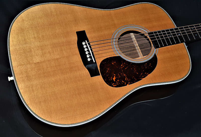 MARTIN HD-28  MADE IN 2013  IMMACULATE  GORGEOUS WOOD
