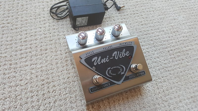 jim dunlop uni vibe uv 1 chorus vibrato guitar effect pedal reverb. Black Bedroom Furniture Sets. Home Design Ideas
