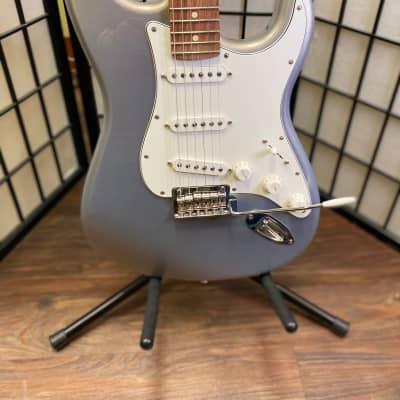 Fender Player Stratocaster with Pau Ferro Fretboard 2019 - 2021 Silver