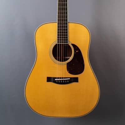 Santa Cruz Guitar Company VA Custom Adirondack Spruce & Macacauba
