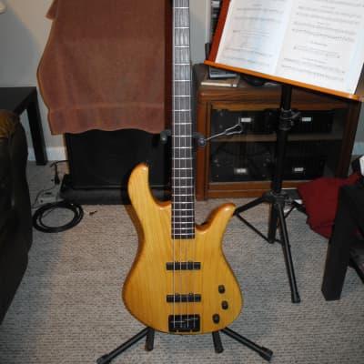 Drake Custom 4 String Bass with case