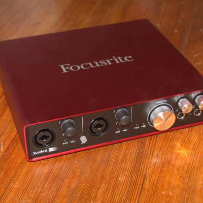 Focusrite Scarlett 6i6 2nd Gen 6-in/6-Out USB Audio Interface - B-Stock