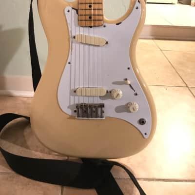 Fender Bullet 1982 Aged Cream for sale