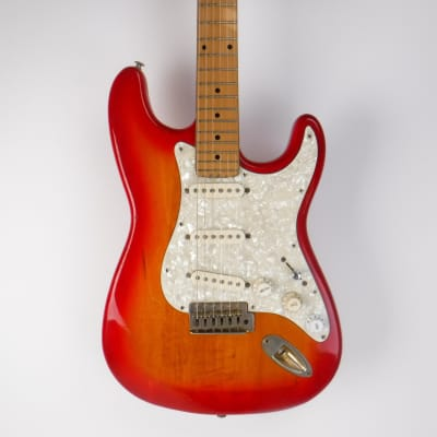 Used Rogue S-TYPE Electric Guitar Cherry Sunburst for sale