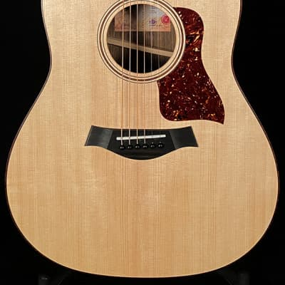 Taylor Guitars American Dream Series Grand Pacific AD17e