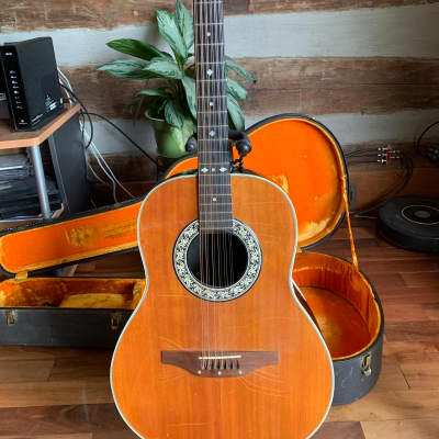 OVATION SHINY BACK  12 STRING ACOUSTIC ELECTRIC 1968 Natural top  finish