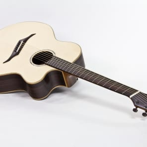 Stoll IQ - Acoustic Guitar with multiscale fretboard, bevel and side sound port for sale