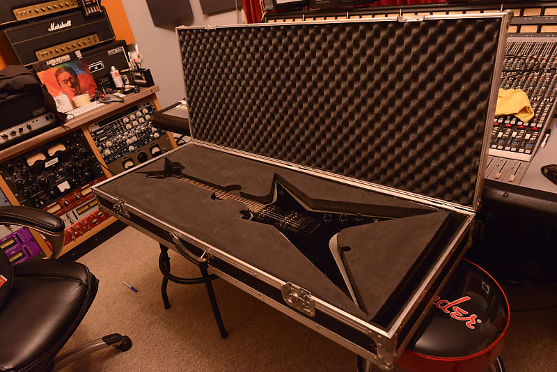 Washburn Dimebag Darrell Pantera Stealth Dime 2ST Signature Guitar 333 +  Flight Case Dean