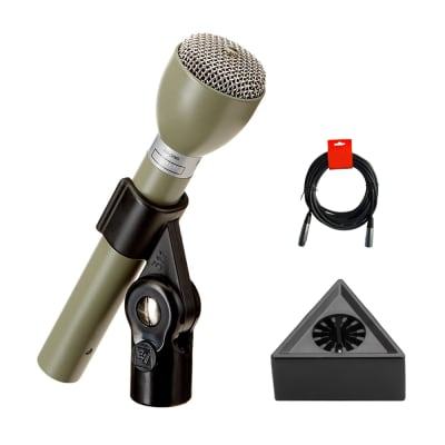Electro-Voice 635A Classic Omnidirectional Handheld ENG Microphone (Beige) with Mic Flag & XLR-XLR Cable Bundle