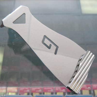 Gretsch G Tailpiece 6000 series 5.5″ Chrome 0060124100