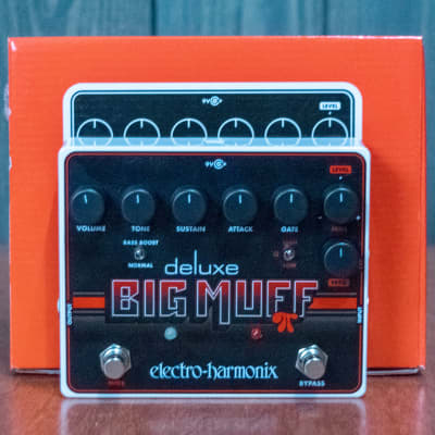 NOS Electro-Harmonix Deluxe Big Muff Pi Distortion / Sustainer Pedal w/ Box & Power