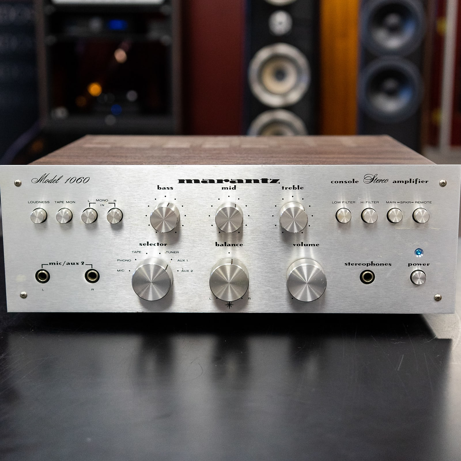 Marantz 1060 Stereo Integrated Amplifier - Refurbished