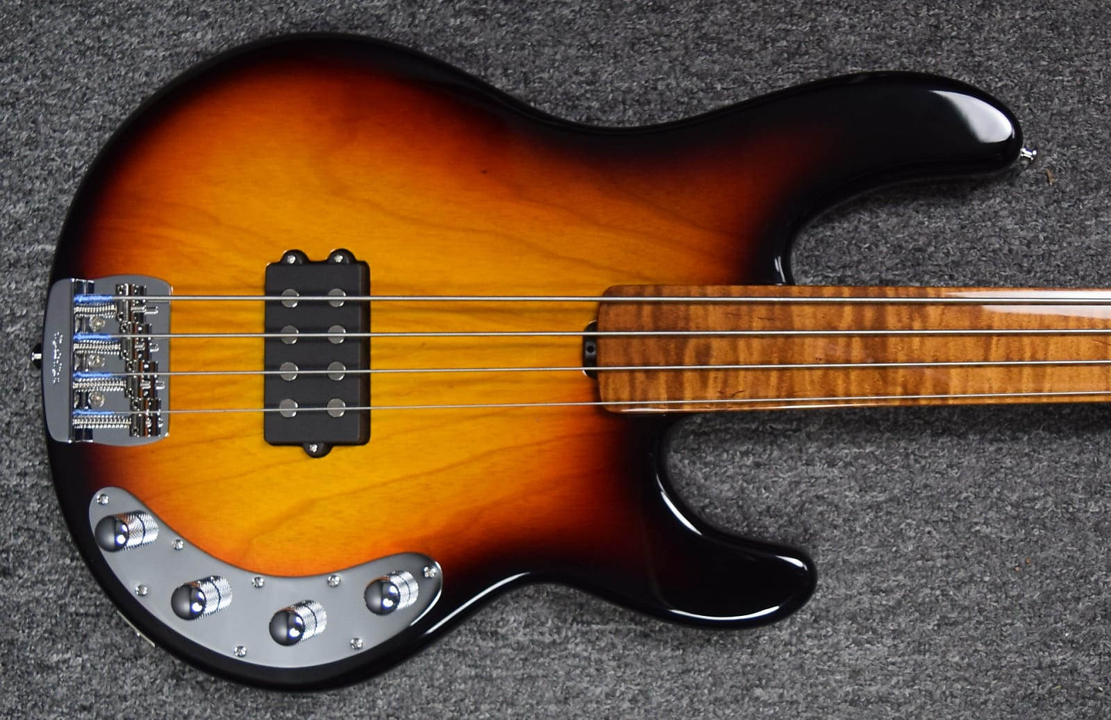 Ernie Ball Music Man BFR StingRay 4 FRETLESS, Sierra Vintage Burst Roasted & Figured Maple Neck / FB