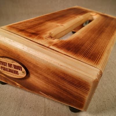 Hot Box 2.0 Mini - Burned Pine Pedalboard by KYHBPB - P.O.
