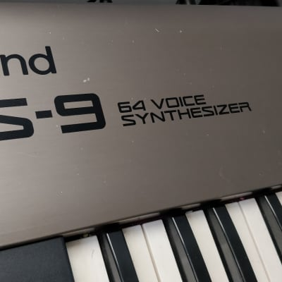 Roland RS-9 88-Key 64-Voice Synthesizer