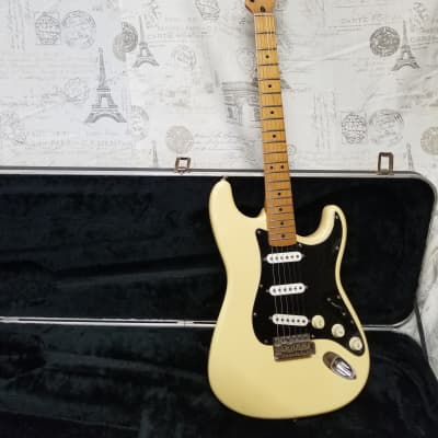 Fender California Series Stratocaster 1997 Vintage White Sperzel Locking Tuners Great Vibe Player! for sale