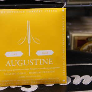 Augustine AUGGOLDSET Gold Nylon Guitar Strings - Medium Tension